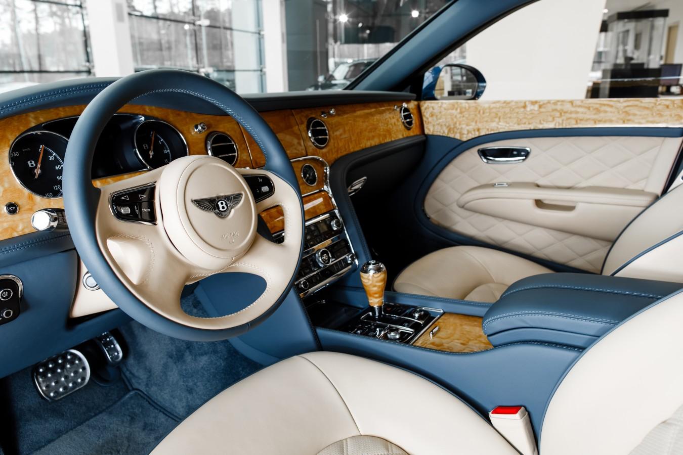 Bentley Flying Spur V8S Design Series by Mulliner - изображение 010418Mercury_Auto_058 на Bentleymoscow.ru!