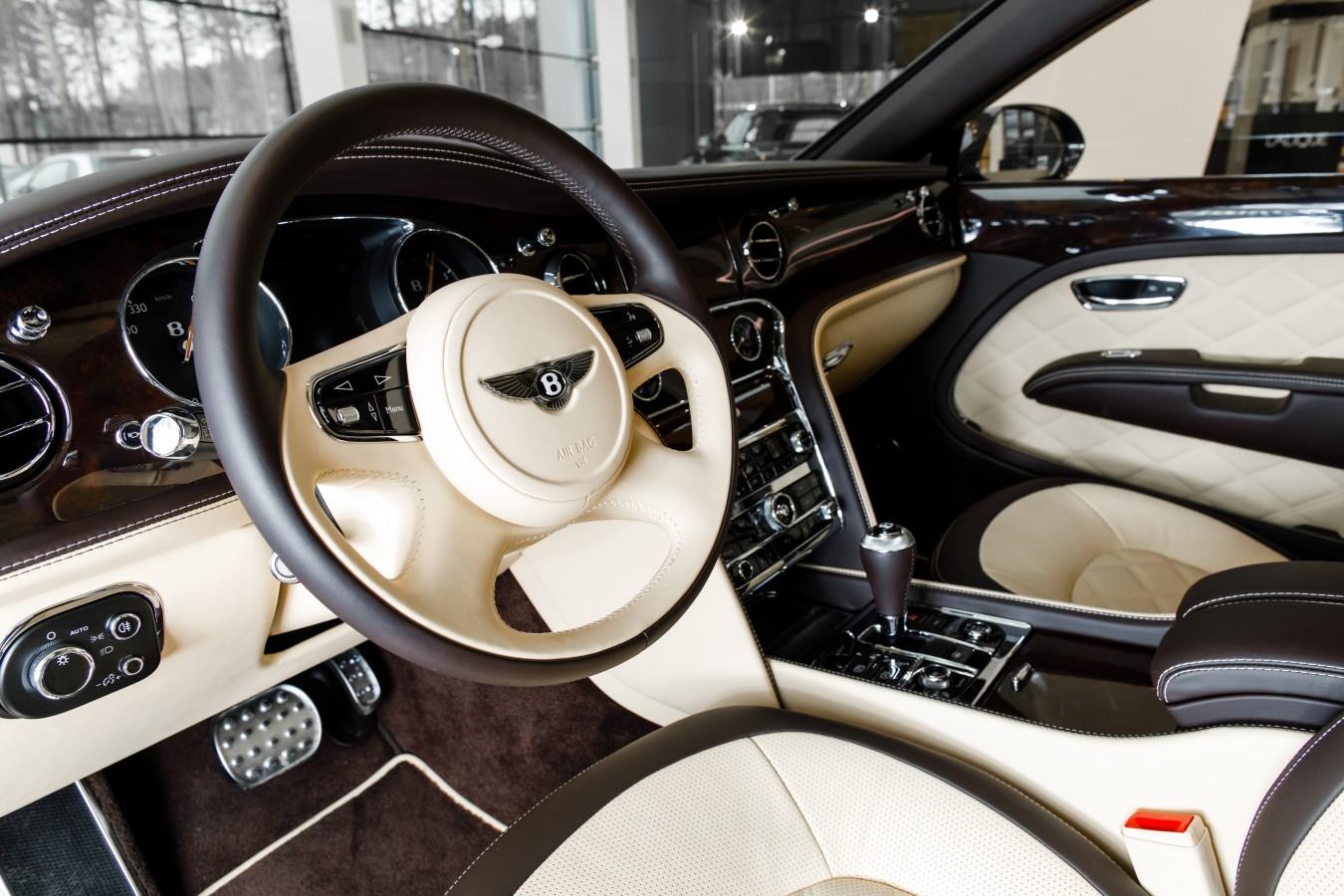 Bentley Flying Spur V8S Design Series by Mulliner - изображение 010418Mercury_Auto_094 на Bentleymoscow.ru!