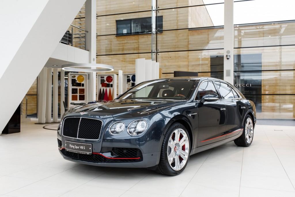 Bentley Flying Spur V8S Design Series by Mulliner - изображение 010418Mercury_Auto_105-1024x683 на Bentleymoscow.ru!