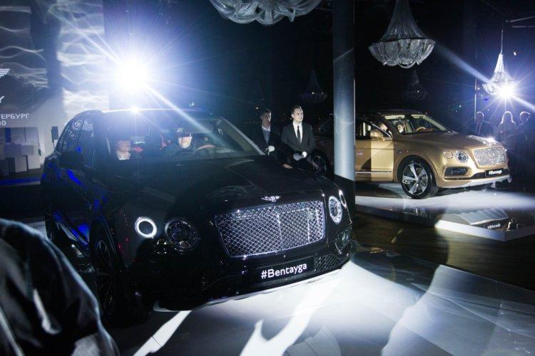ЭКСТРАОРДИНАРНАЯ ПРЕМЬЕРА BENTLEY BENTAYGA В САНКТ-ПЕТЕРБУРГЕ - изображение 012 на Bentleymoscow.ru!