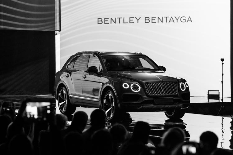 ЭКСТРАОРДИНАРНАЯ ПРЕЗЕНТАЦИЯ BENTLEY BENTAYGA В КОНЦЕРТНОМ ЗАЛЕ «БАРВИХА LUXURY VILLAGE» - изображение 032 на Bentleymoscow.ru!