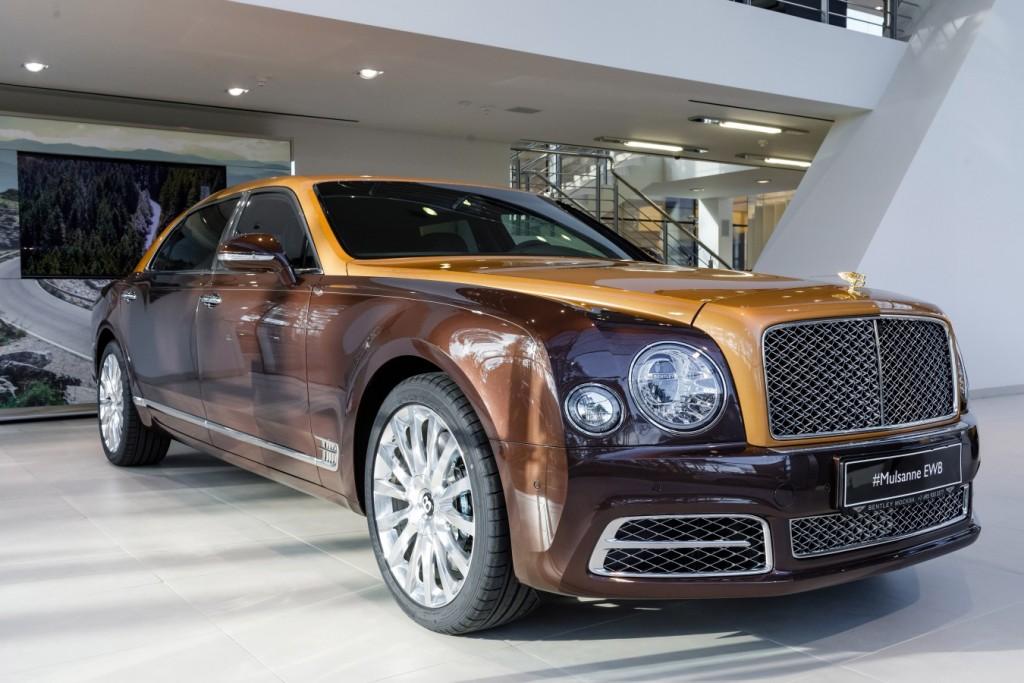 Bentley Mulsanne EWB Hallmark Edition Gold Pack - изображение 091117Bentley_001-1024x683 на Bentleymoscow.ru!