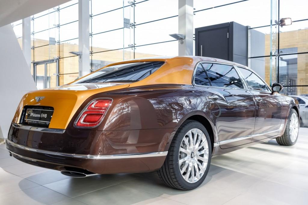 Bentley Mulsanne EWB Hallmark Edition Gold Pack - изображение 091117Bentley_005-1024x683 на Bentleymoscow.ru!