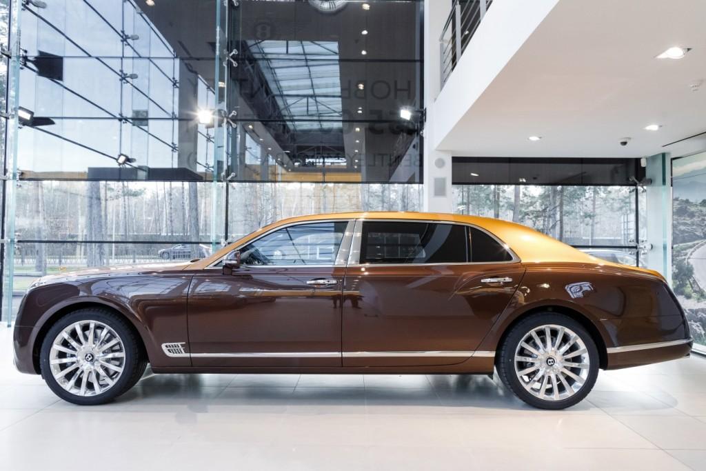 Bentley Mulsanne EWB Hallmark Edition Gold Pack - изображение 091117Bentley_006-1024x683 на Bentleymoscow.ru!