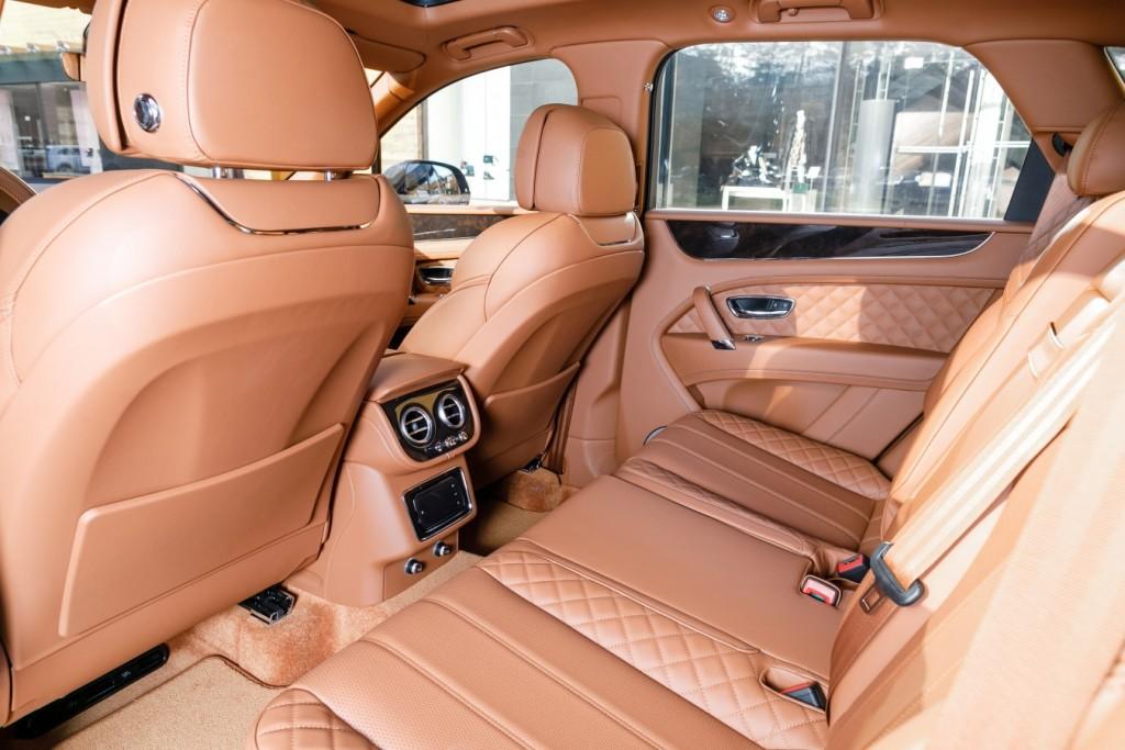 Bentley Bentayga Peacock - изображение 091117Bentley_023-1024x683 на Bentleymoscow.ru!