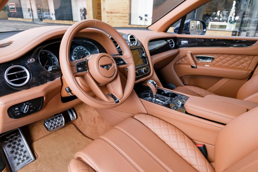 Bentley Bentayga Peacock - изображение 091117Bentley_025-1024x683 на Bentleymoscow.ru!