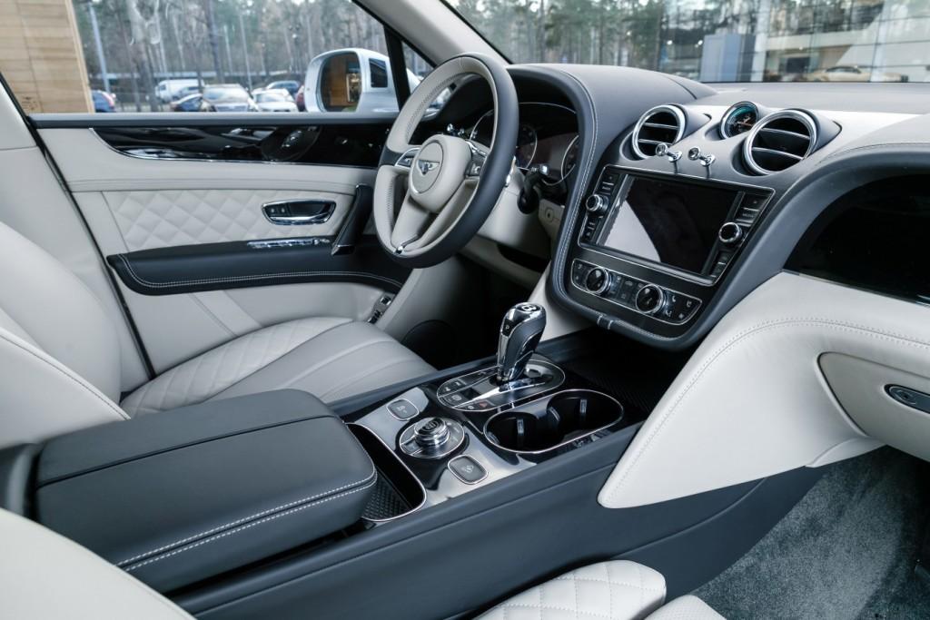 Bentley Bentayga Moonbeam - изображение 091117Bentley_038-1024x683 на Bentleymoscow.ru!