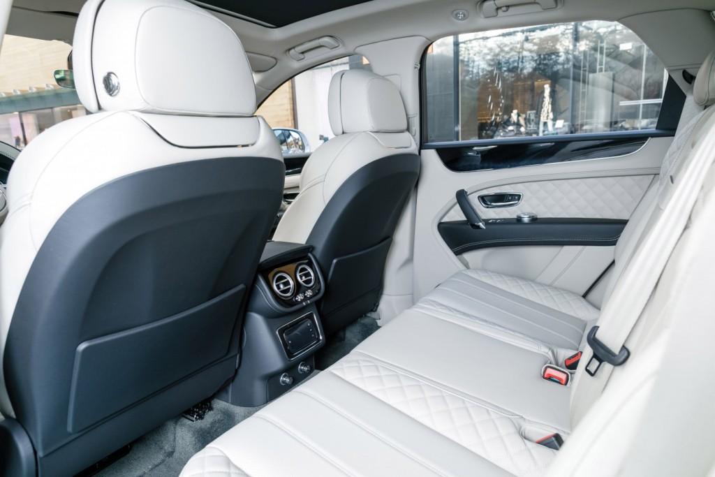 Bentley Bentayga Moonbeam - изображение 091117Bentley_040-1024x683 на Bentleymoscow.ru!