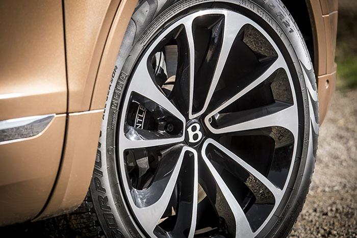 РОССИЙСКАЯ ПРЕМЬЕРА BENTAYGA В «BENTLEY МОСКВА» - изображение 14 на Bentleymoscow.ru!