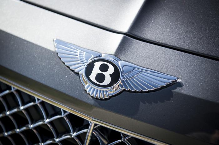 ПЕРВЫЙ ВНЕДОРОЖНИК BENTLEY BENTAYGA УЖЕ В САЛОНАХ - изображение 28 на Bentleymoscow.ru!