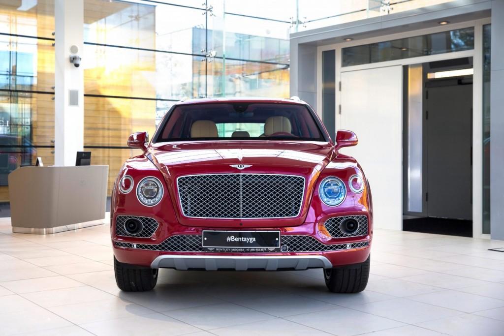 Bentley Bentayga Dragon Red - изображение AR1X7693-1024x683 на Bentleymoscow.ru!