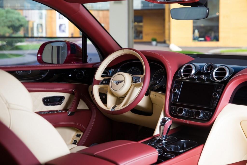 Bentley Bentayga Dragon Red - изображение AR1X7727-1024x683 на Bentleymoscow.ru!