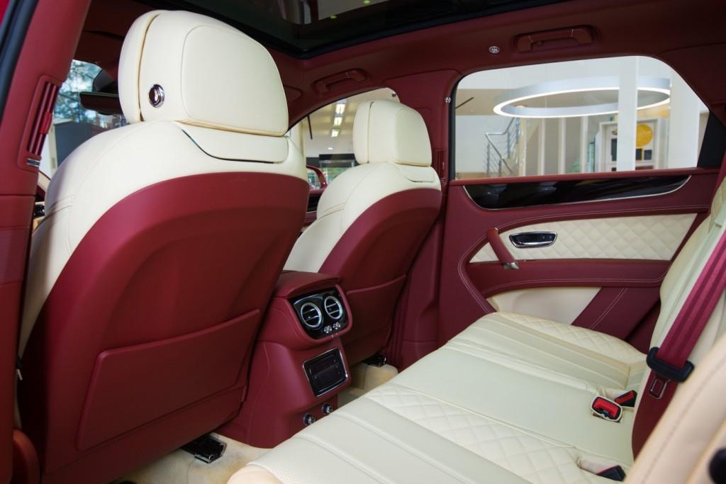 Bentley Bentayga Dragon Red - изображение AR1X7771-1024x683 на Bentleymoscow.ru!