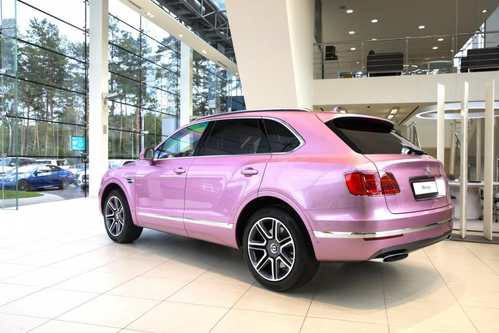 Bentley Bentayga Passion Pink - изображение AR1X78161-1024x683 на Bentleymoscow.ru!