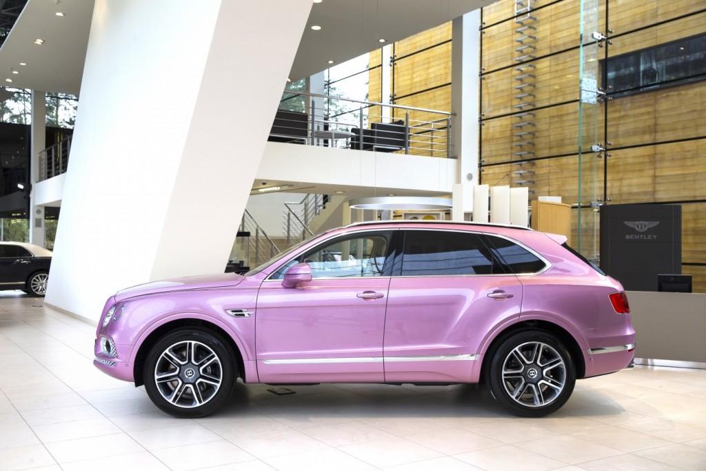 Bentley Bentayga Passion Pink - изображение AR1X7827-1024x683 на Bentleymoscow.ru!