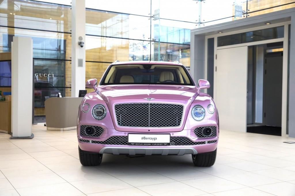 Bentley Bentayga Passion Pink - изображение AR1X78301-1024x683 на Bentleymoscow.ru!