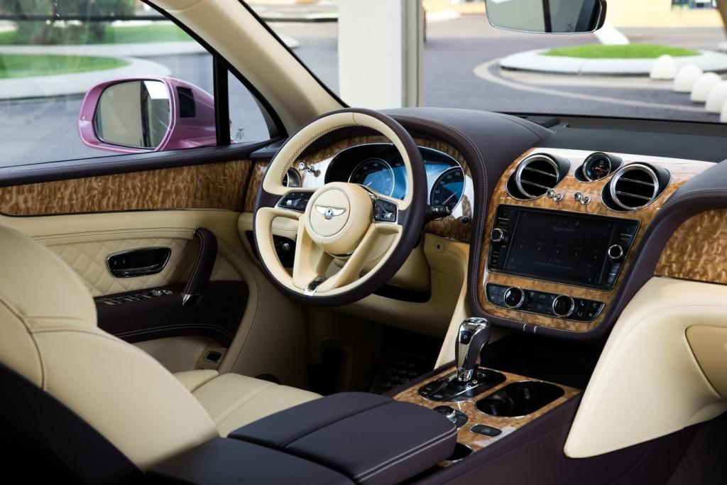 Bentley Bentayga Passion Pink - изображение AR1X7861-1024x683 на Bentleymoscow.ru!