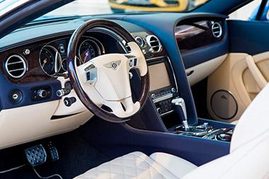 Bentley Bentayga Peacock - изображение Bentley-Continental-GT-W12-Portofino на Bentleymoscow.ru!