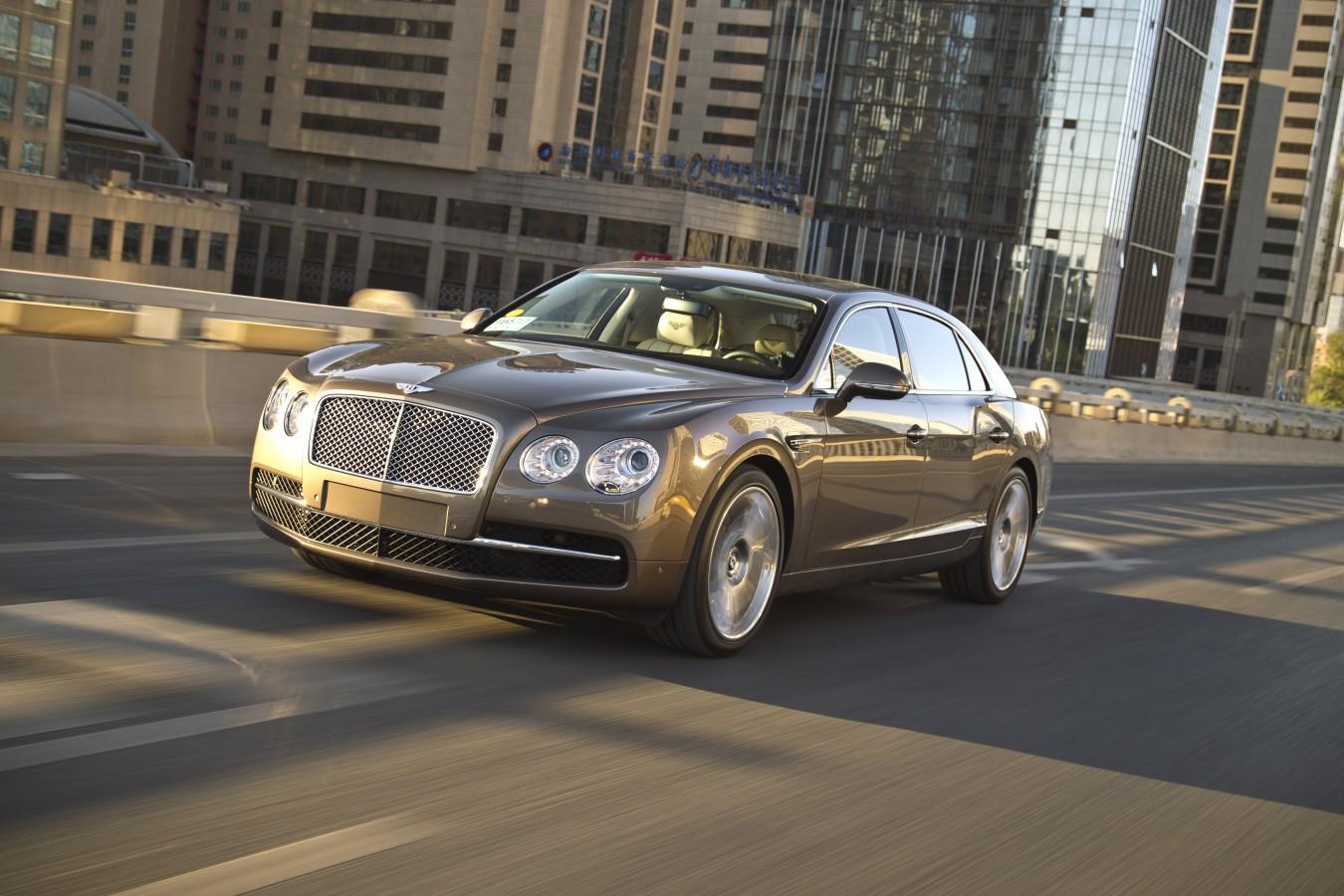 BENTLEY С ПРОБЕГОМ В КРЕДИТ ОТ 2 950 000 РУБЛЕЙ* - изображение Bentley-Flying-Spur-2 на Bentleymoscow.ru!