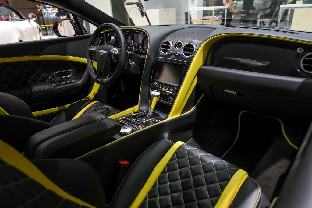 ВСЕГО ТРИ АВТОМОБИЛЯ CONTINENTAL GT V8 S НОВОЙ ЛИМИТИРОВАННОЙ СЕРИИ SILVERFOX EDITION - изображение IMG-013 на Bentleymoscow.ru!