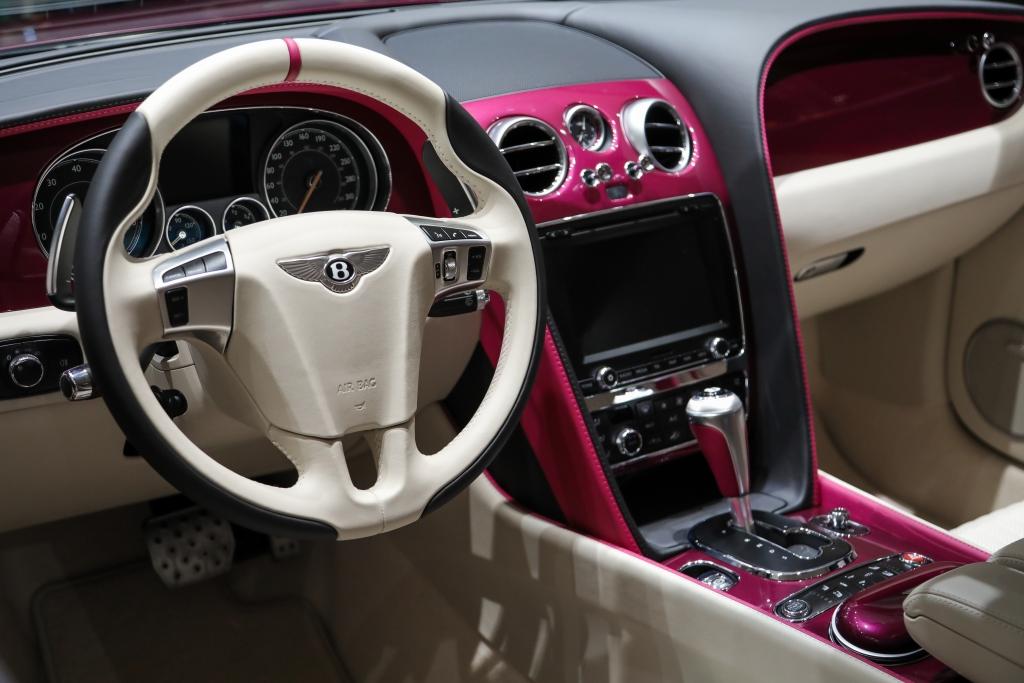 УНИКАЛЬНЫЙ BENTLEY CONTINENTAL GT V8             MAGENTA EDITION - изображение IMG-050 на Bentleymoscow.ru!