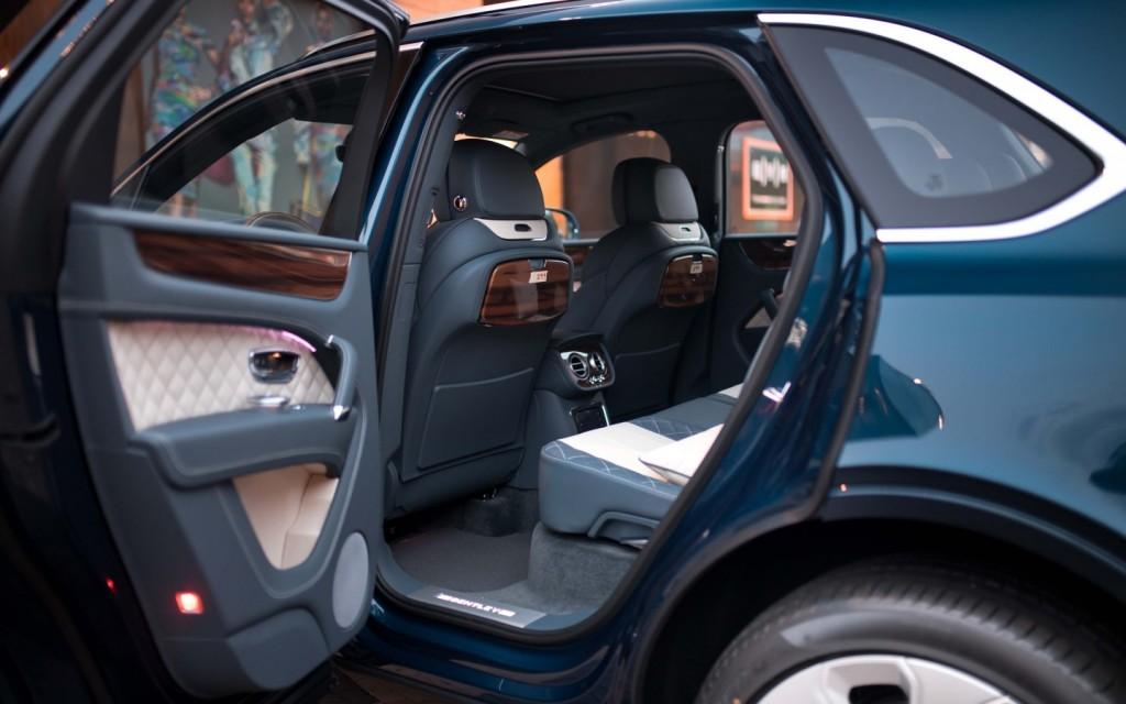 Bentley Bentayga Mulliner Windsor Blue - изображение IMG_0243-1024x640 на Bentleymoscow.ru!