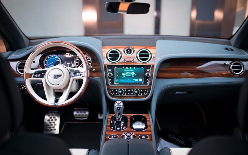 Bentley Bentayga Mulliner Windsor Blue - изображение IMG_0251-1024x640 на Bentleymoscow.ru!