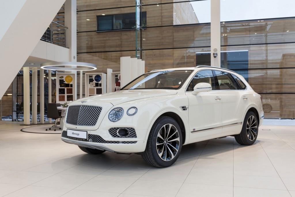 Bentley BENTAYGA Old English White - изображение IMG_2551-1024x683 на Bentleymoscow.ru!