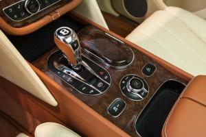 Bentley BENTAYGA Old English White - изображение IMG_25871-300x200 на Bentleymoscow.ru!