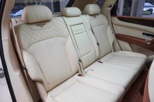 Bentley BENTAYGA Old English White - изображение IMG_26122-300x200 на Bentleymoscow.ru!