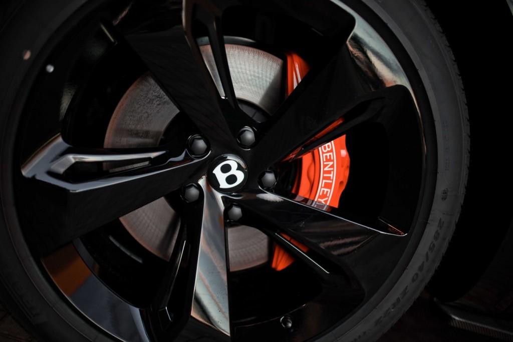 Bentley Bentayga Onyx Beluga - изображение IMG_3299_s-1024x683 на Bentleymoscow.ru!