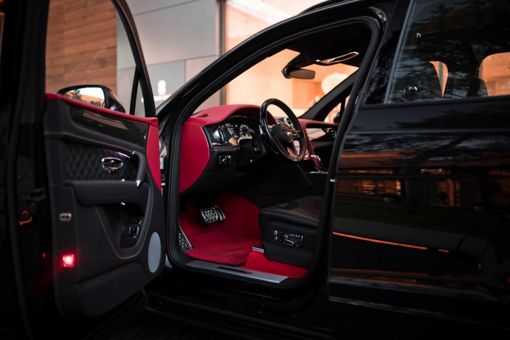 Bentley Bentayga Onyx Beluga - изображение IMG_3311_s-1024x683 на Bentleymoscow.ru!
