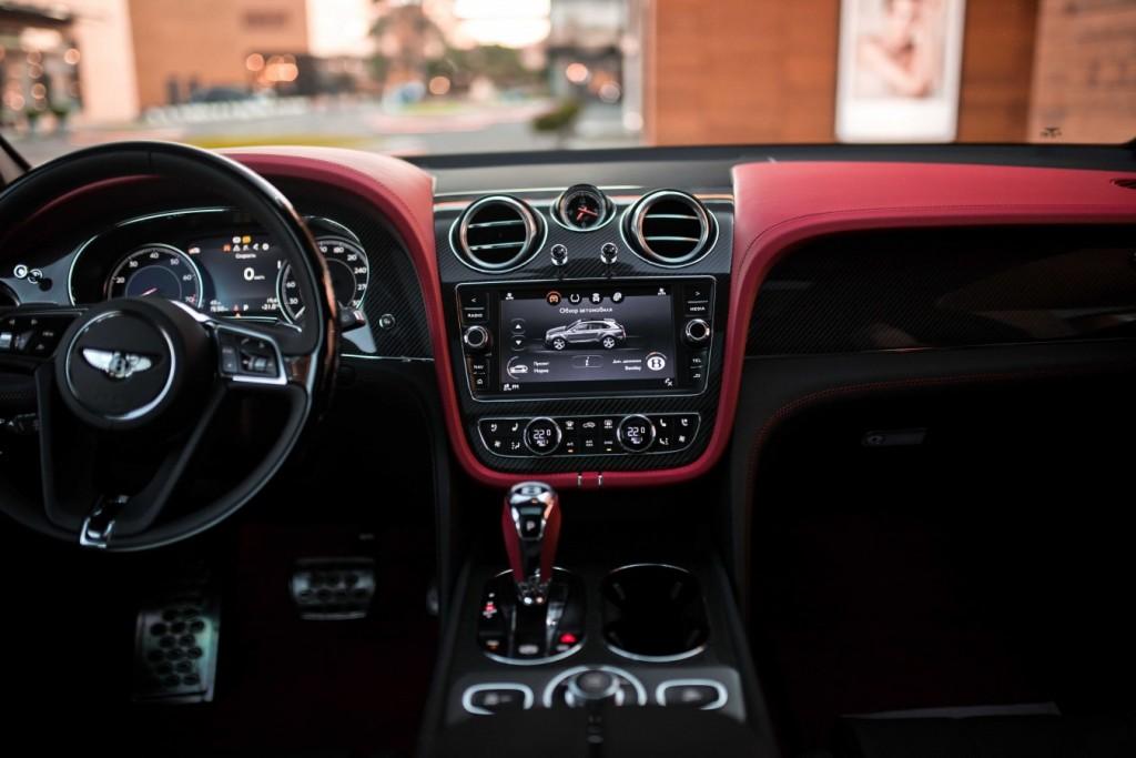 Bentley Bentayga Onyx Beluga - изображение IMG_3320_s-1024x683 на Bentleymoscow.ru!