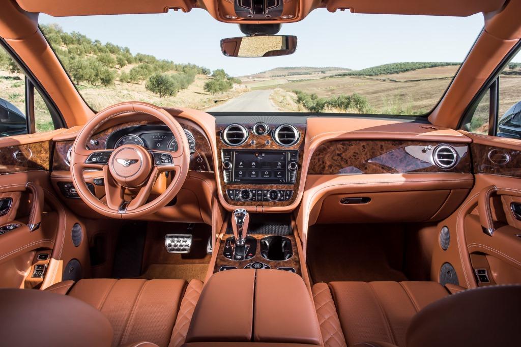 САМЫЙ БЫСТРЫЙ ВНЕДОРОЖНИК В МИРЕ - BENTLEY BENTAYGA - изображение JL46715 на Bentleymoscow.ru!