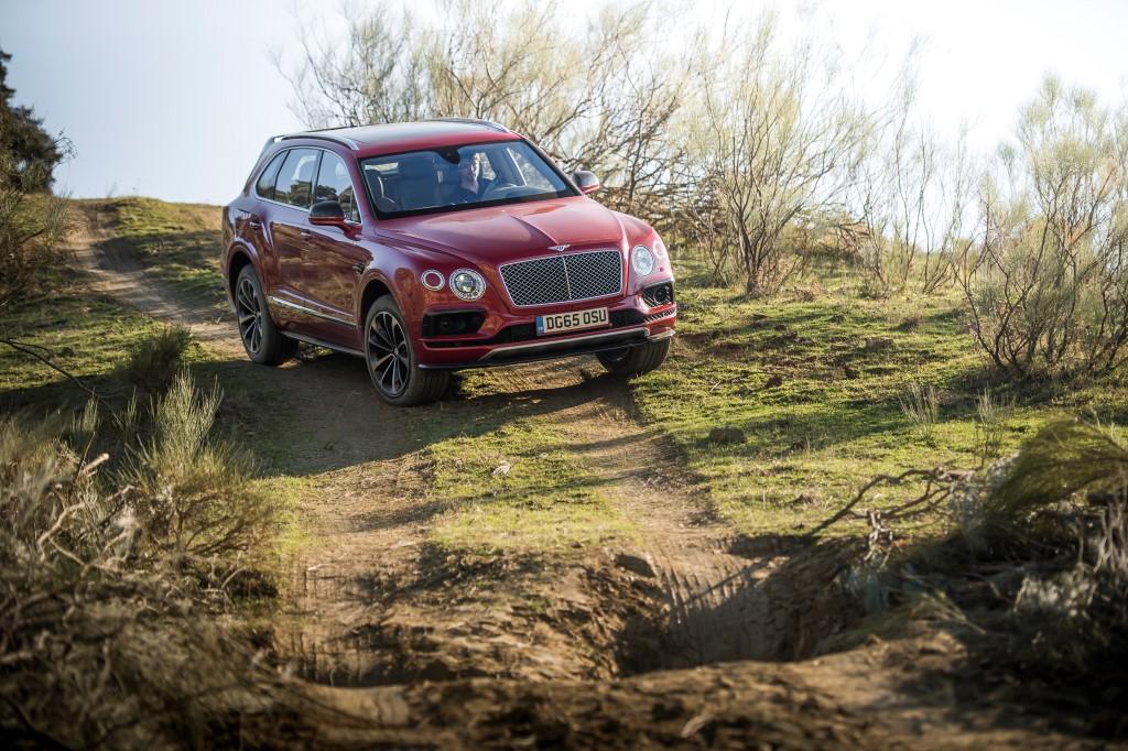 САМЫЙ БЫСТРЫЙ ВНЕДОРОЖНИК В МИРЕ - BENTLEY BENTAYGA - изображение JL49940 на Bentleymoscow.ru!