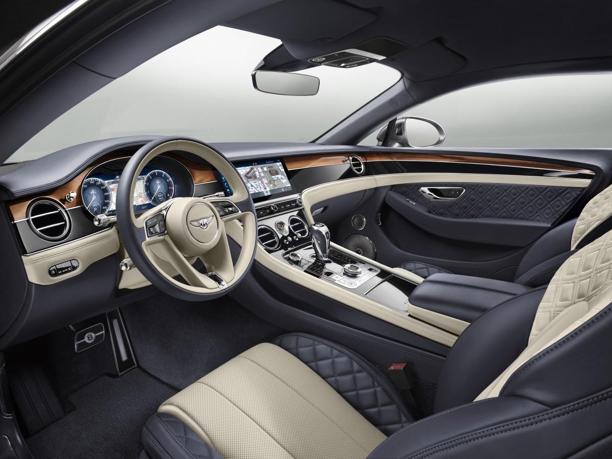 САМАЯ  ДОЛГОЖДАННАЯ ПРЕМЬЕРА - НОВЫЙ BENTLEY CONTINENTAL GT - изображение New-Continental-GT-20 на Bentleymoscow.ru!