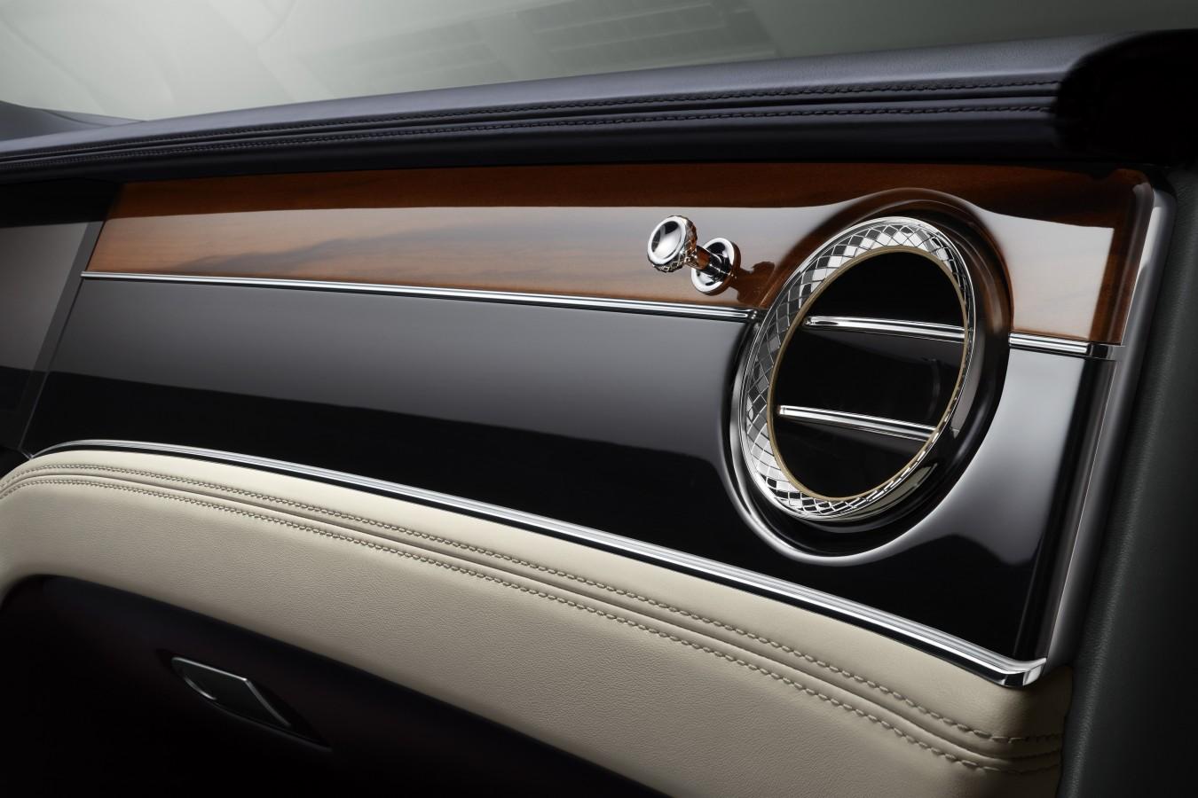 САМАЯ  ДОЛГОЖДАННАЯ ПРЕМЬЕРА - НОВЫЙ BENTLEY CONTINENTAL GT - изображение New-Continental-GT-30 на Bentleymoscow.ru!