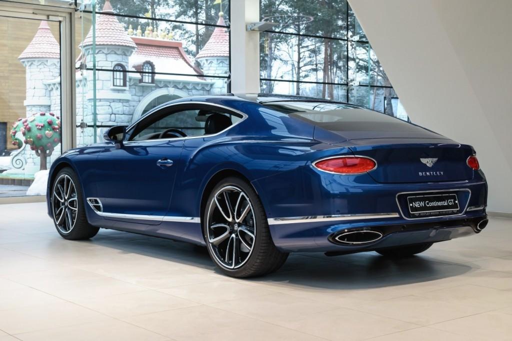 Bentley New Continental GT Sequin Blue - изображение SCBCA13S9KC071442_GT_SequinBlue-1-16-1024x683 на Bentleymoscow.ru!