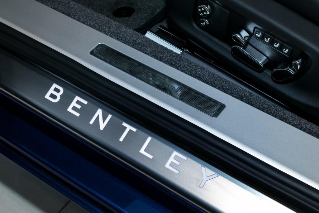 Bentley New Continental GT Sequin Blue - изображение SCBCA13S9KC071442_GT_SequinBlue-1-5-1024x683 на Bentleymoscow.ru!