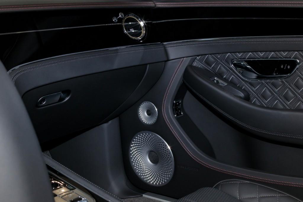 Bentley New Continental GT Sequin Blue - изображение SCBCA13S9KC071442_GT_SequinBlue-1-9-1024x683 на Bentleymoscow.ru!