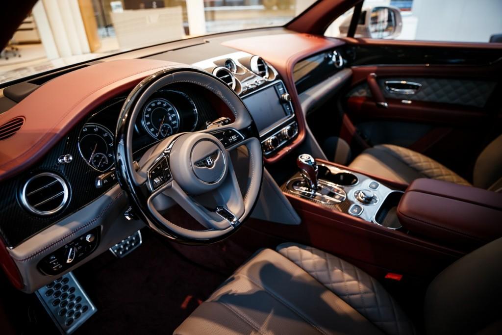 Bentley Bentayga Dove Grey - изображение photo-119-1024x683 на Bentleymoscow.ru!