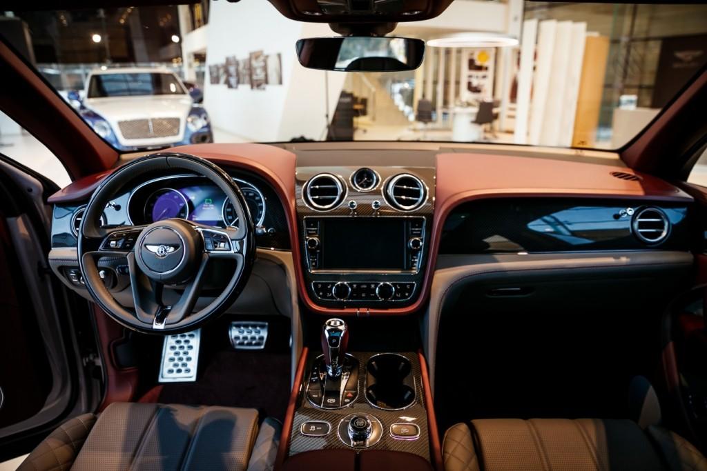 Bentley Bentayga Dove Grey - изображение photo-135-1024x683 на Bentleymoscow.ru!