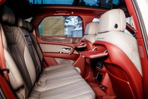 Bentley Bentayga Dove Grey - изображение photo-144-300x200 на Bentleymoscow.ru!