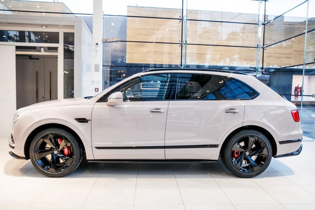 Bentley Bentayga Dove Grey - изображение photo-158_new2-1024x683 на Bentleymoscow.ru!