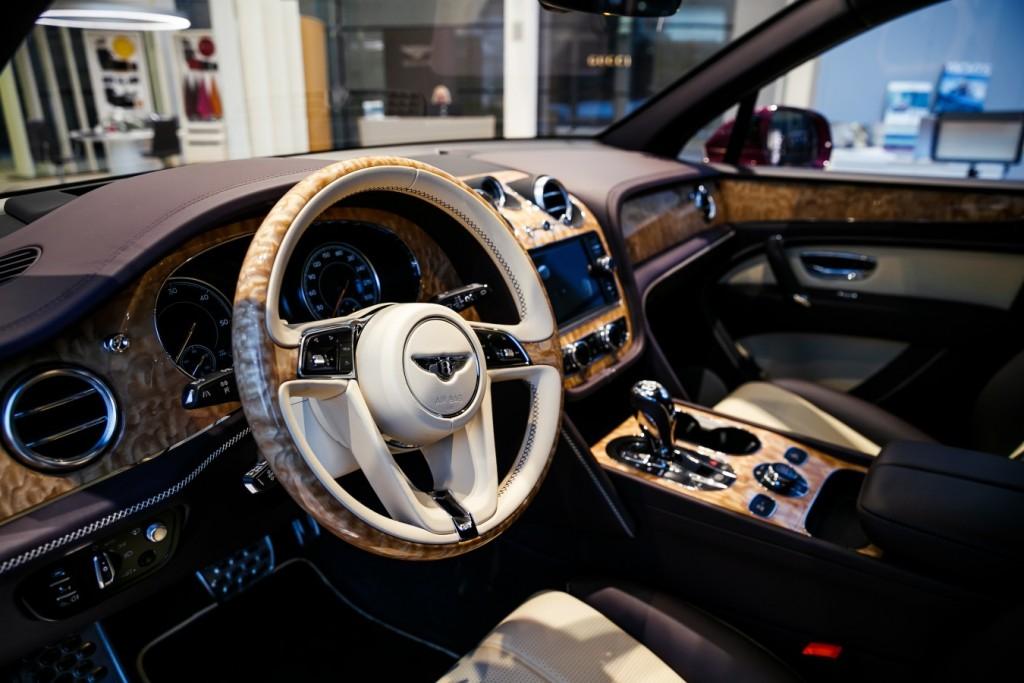 Bentley Bentayga Magenta - изображение photo-184-1024x683 на Bentleymoscow.ru!